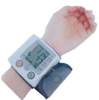 FULLY AUTOMATIC WRIST BLOOD PRESSURE & PULSE MONITOR PORTABLE BATTERY OPERATED